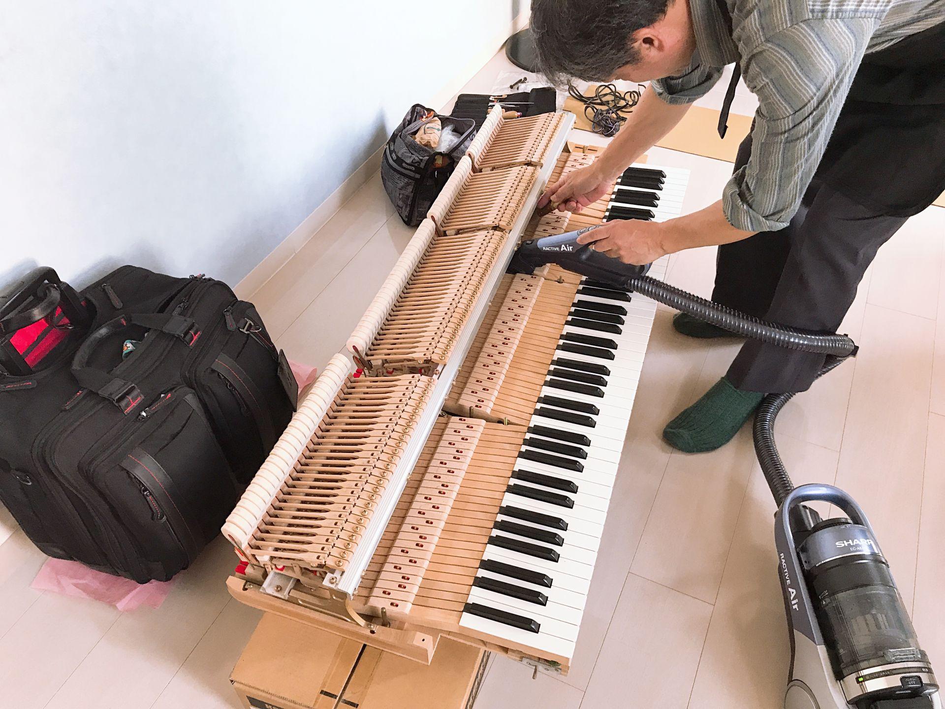 ピアノ内のクリーニング